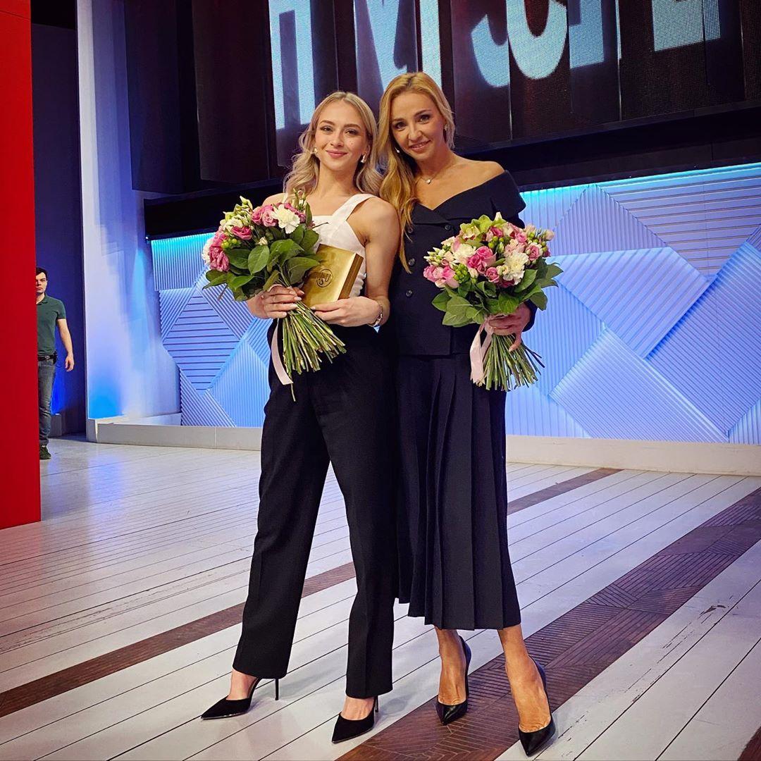 Татьяна Навка на ТВ и радио - Страница 13 O9S1GcqAsx8