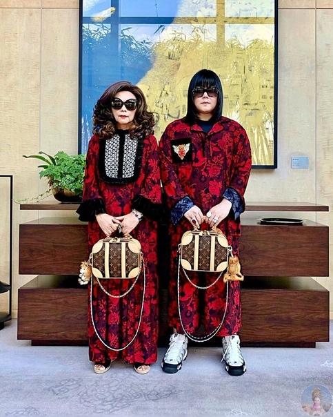 PEEPY & MOTHER LEE аккаунт, который ведут мама с сыном, одержимые модой и стилем.