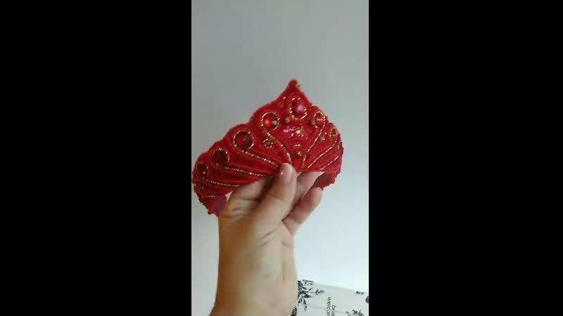 кокошник красный 2