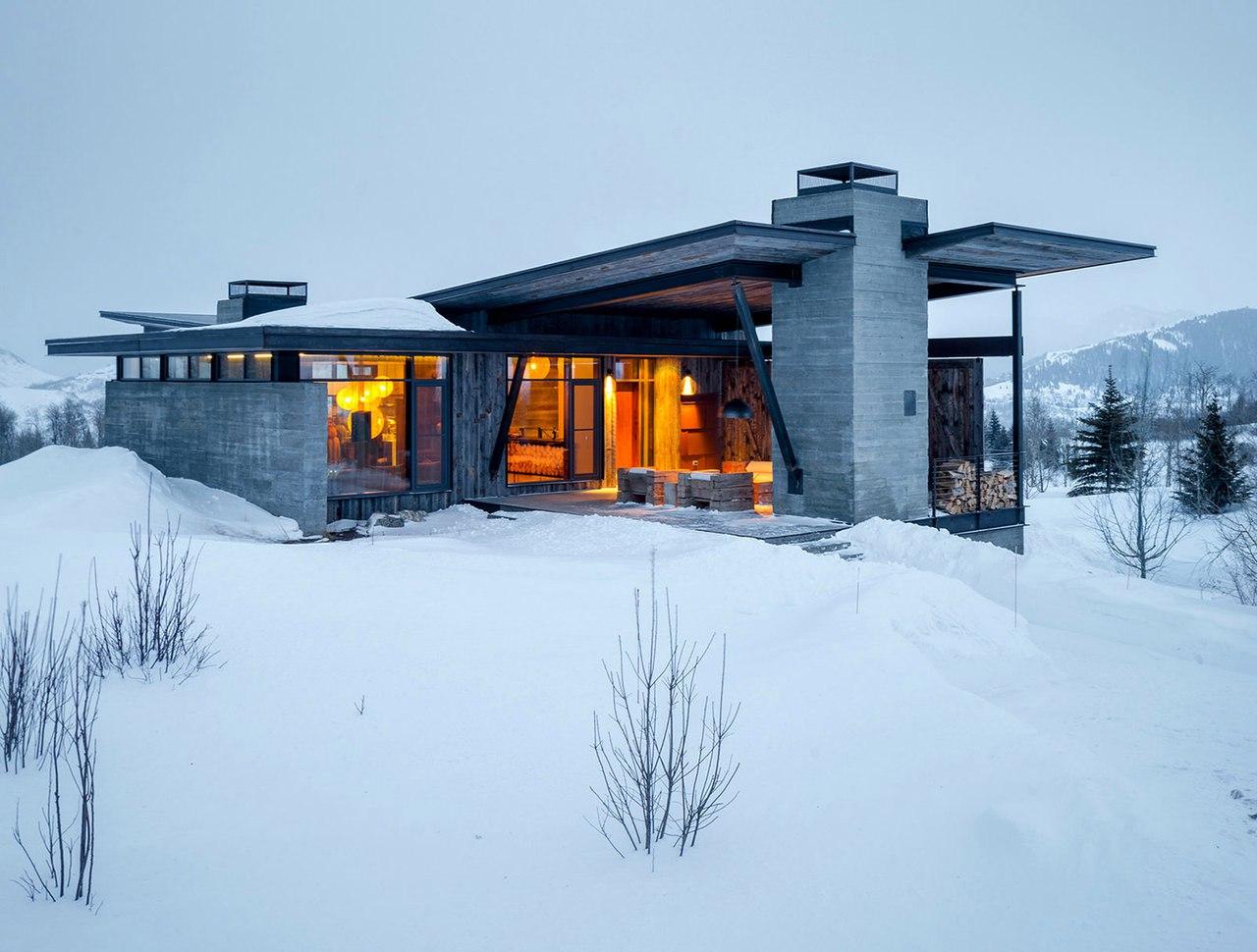 Дизайн частного дома в горах от Pearson Design Group