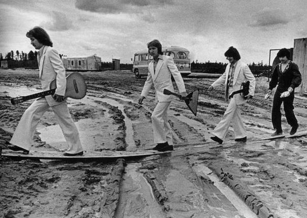 На гастролях в Сургуте, 1976 год. . Спасибо за и подписку