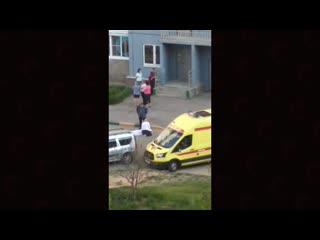 школьник выпрыгнул в окно из-за ЕГЭ