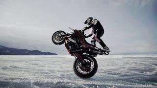 Петербуржец Степа Маслов на Мотоцикле по Байкалу Supermoto на Льду!