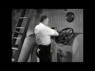 Charlie chaplin swallowed by a factory machine modern times (1936).mp4