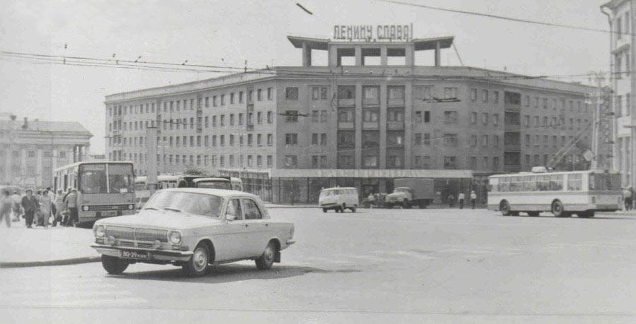 Красная площадь, 70 год и 2016.