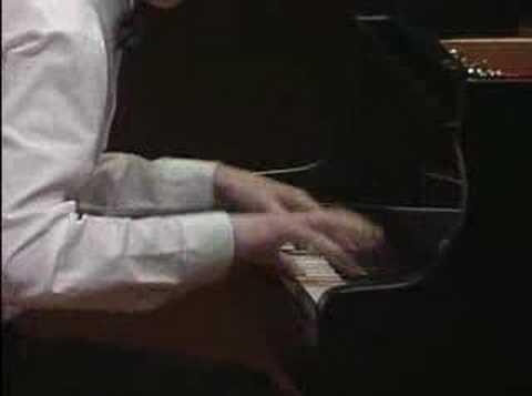 Evgeny Kissin plays Rachmaninoff- Lilacs