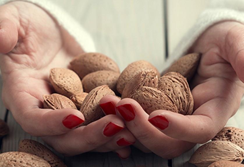 10 лучших продуктов для здоровых ногтей и волос