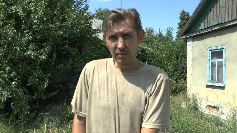 Помощь жительницы России мужчине с поломанной ключицей