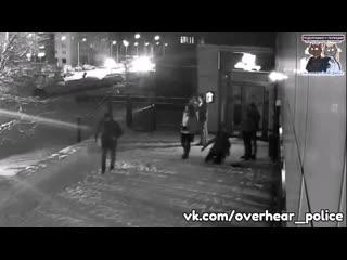 В сарове пьяный парень избил девушку возле клуба