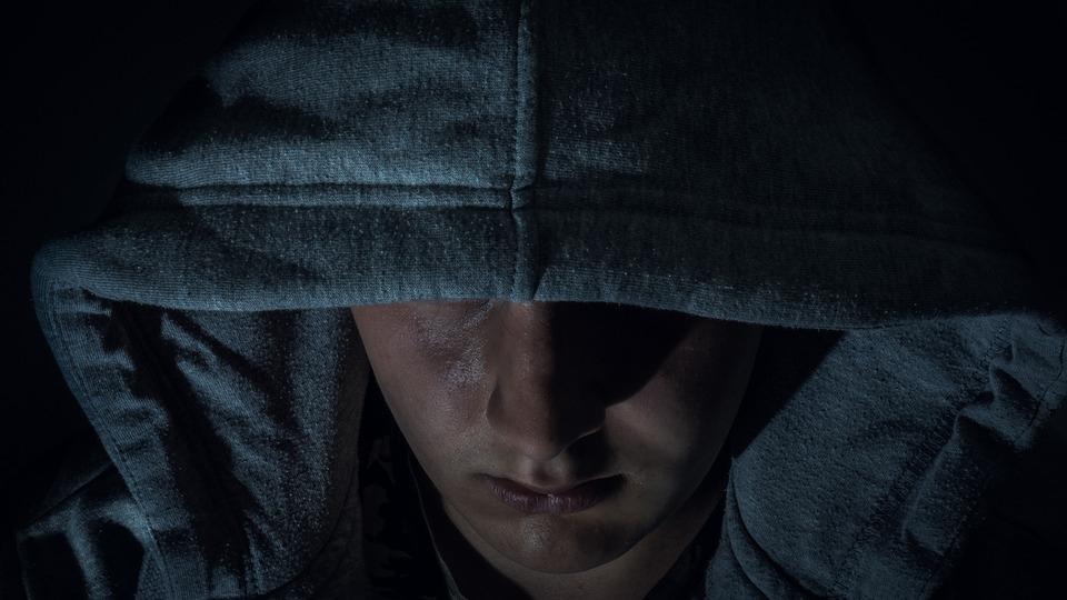 Группа подростков с ножом и электрошокером ограбила иностранца в Йошкар-Оле