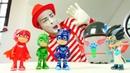 Pj Masks oyuncakları. Romeo tüm arabaları yok ediyor! Çocuk oyunları