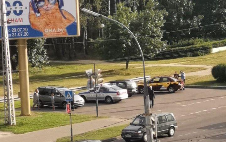 Досадное ДТП, очень похожее на подставу, произошло в Бресте вчера