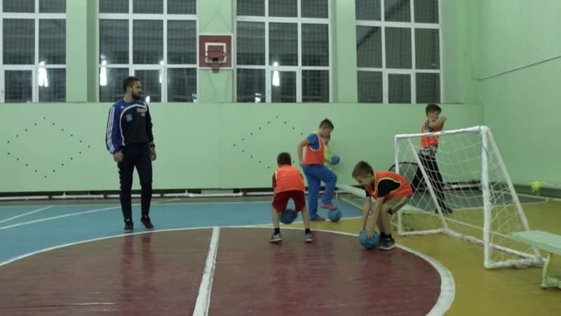 Футбольная школа Стрела в г. Белоозерском набирает детей 5-10 лет.