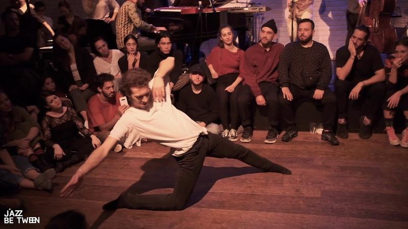 Performance-Improvisation by Aleix Labara Leonardo Farina at JazzBetween Barcelona 23.11.2019