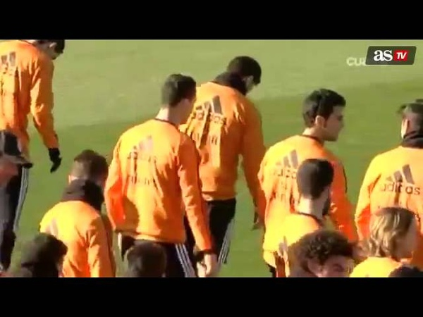 Cristiano Ronaldo and Xabi Alonso discuss what boots are best Nike or Adidas
