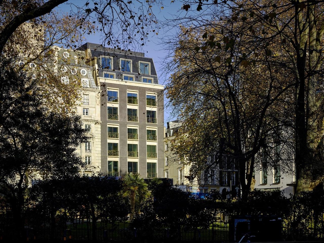 Hanover Square / Oxford Street
