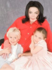 Дамы сердца Майкла Джексона. Дебби Роу: друг познается в беде, изображение №7