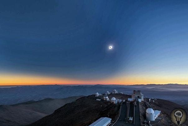 Пейзажи Ла Силья В расположенной на севере Чили обсерватории ESO Ла Силья можно полюбоваться прекрасными видами не только на космос и телескопы, но и на пустынные, но прекрасные окрестности.