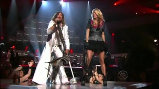 Steven Tyler Carrie Underwood perform Walk This Way by Aerosmith