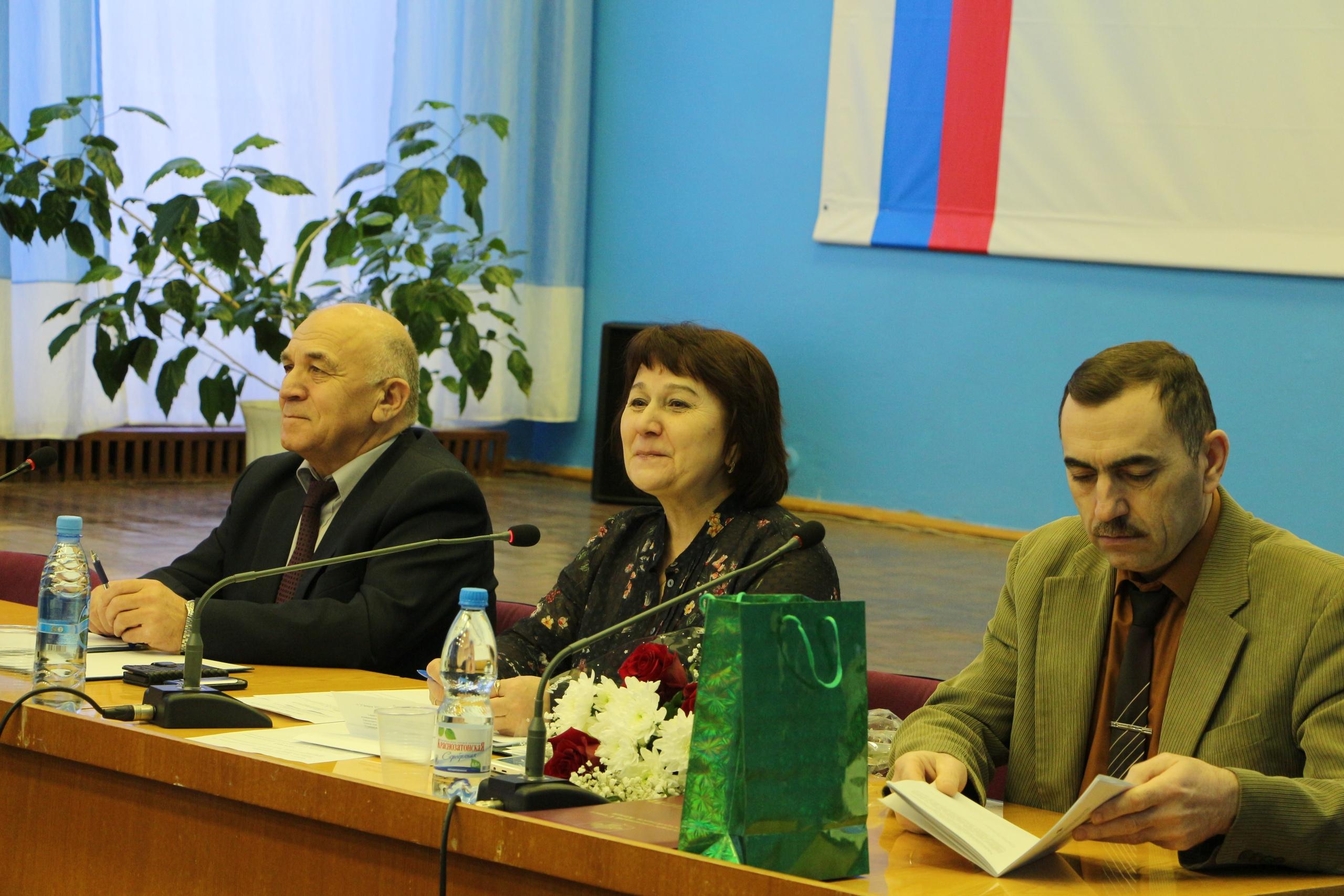 Сегодня состоялась внеочередная, последняя в уходящем году, сессия Совета района