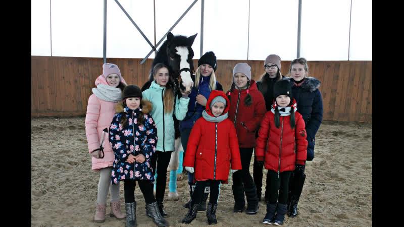 Соревнования по конному двоеборью Юные всадницы