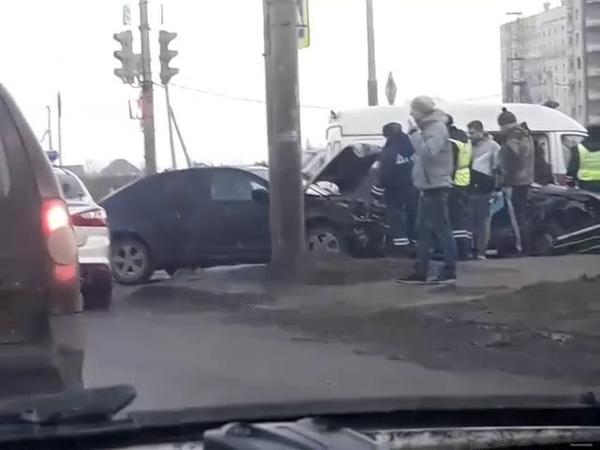 Авария на пересечении улиц Агапкина и Рылеева