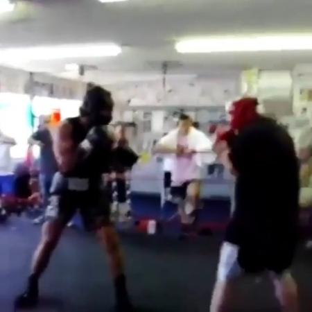 """Boxing Class👑 on Instagram """"16 yaşındaki Andy Ruiz ve karşısında ufc ağır siklet şampiyonu Andrei Arlovski . Takip @boxingclass . • • • boxingtraining boxing…"""""""