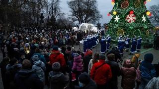 «Петушок по кличке Баттерфляй»: Одесса зажгла новогоднюю ёлку под русский блатной шансон