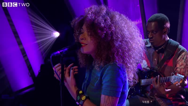 01 Cheikh Lô feat Flavia Coelho Fixi Degg Gui Later… with Jools Holland BBC Two