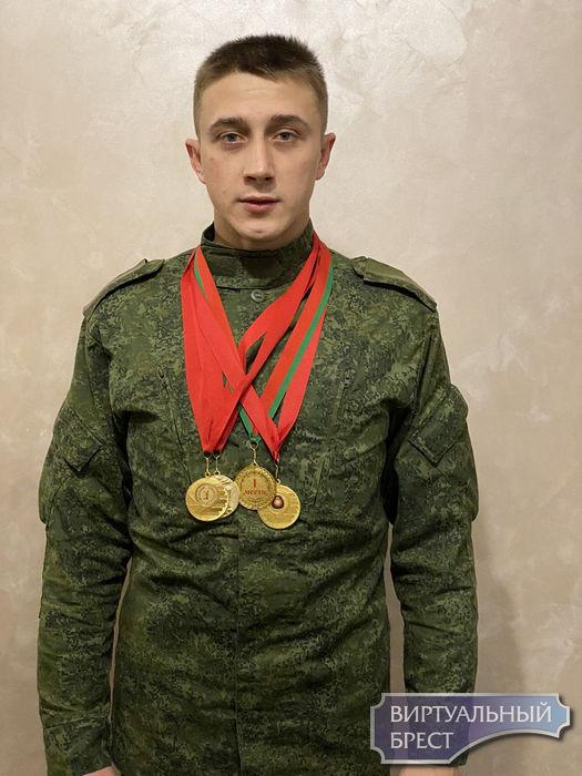 Брестчане стали победителями чемпионата по гиревому спорту среди частей ВВС и войск ПВО