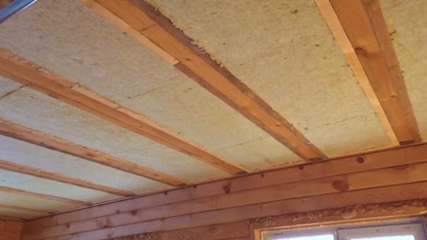 Подшил черновой потолок гипсокартоном по деревянному каркасу. В...