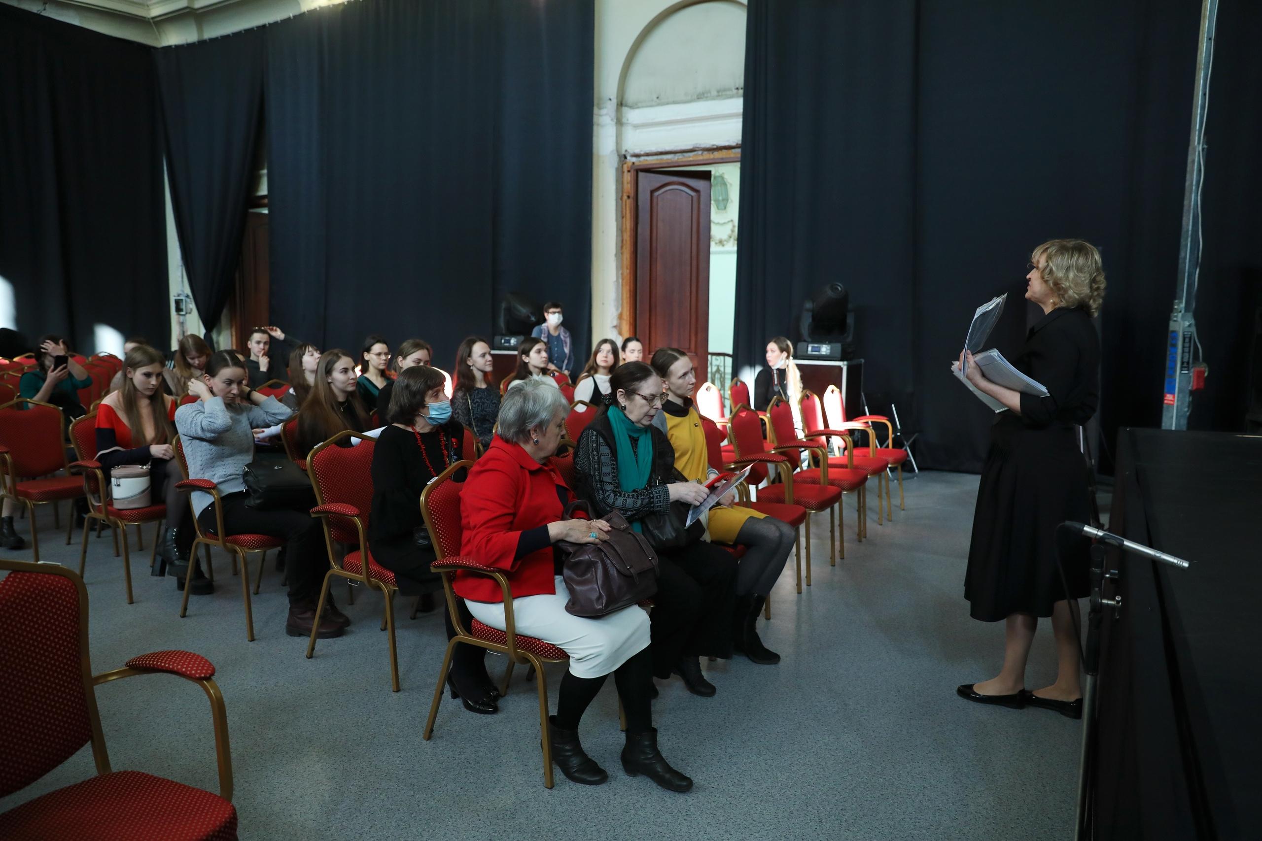 В Екатерининском собрании