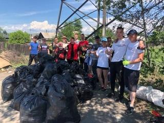 Комсомол Кызыла принял участие в субботнике по очистке от мусора части улицы Интернациональная.