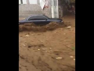 Мощный ливневый паводок в Варгасе, Венесуэла, 25 сентября 2018