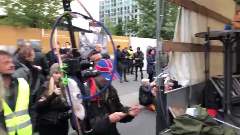 LIVE AUS BERLIN_ Großdemo zum Deutschen Nationalfeiertag 🇩🇪 (Teil 2) (720p_30fps_H264-192kbit_AAC)