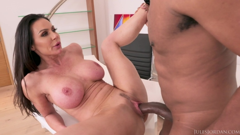 Kendra Lust - Big Tit MILF Star Has A BBC Celebration With Dredd - Porno, MILF Big Tits Interracial, Porn, Порно