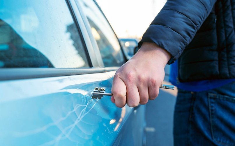 Что делать, если машину повредили во дворе. Инструкция, изображение №1