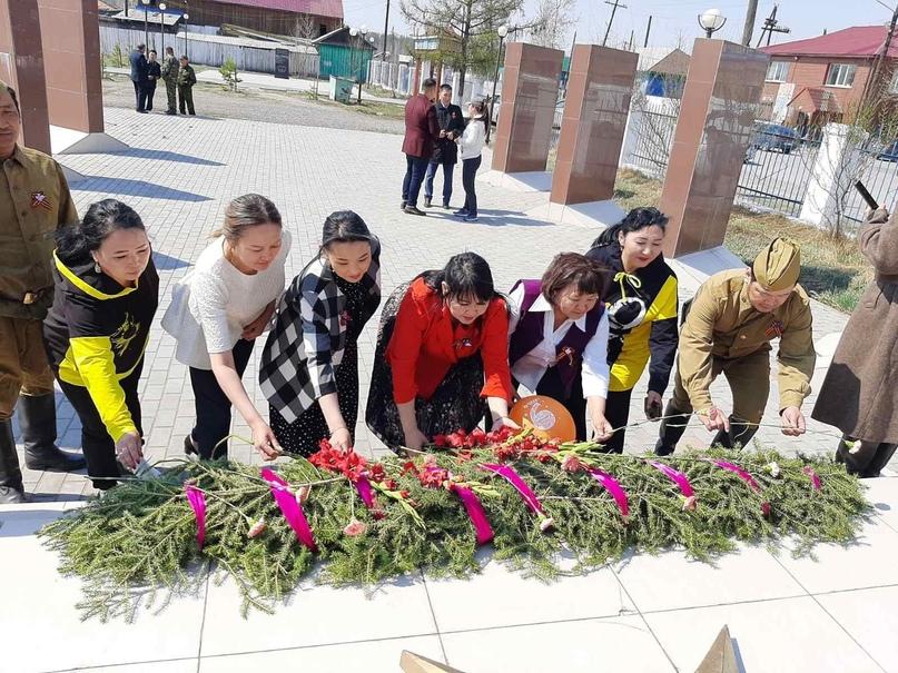 Сегодня, 9 мая в Чадане состоялась церемония возложения венков и цветов к мемори...