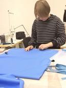 Вчера на занятиях: 🤪😅🙄шили юбки, шили брючки, дошивали зайку и подбирали ткани для его одежды, делал