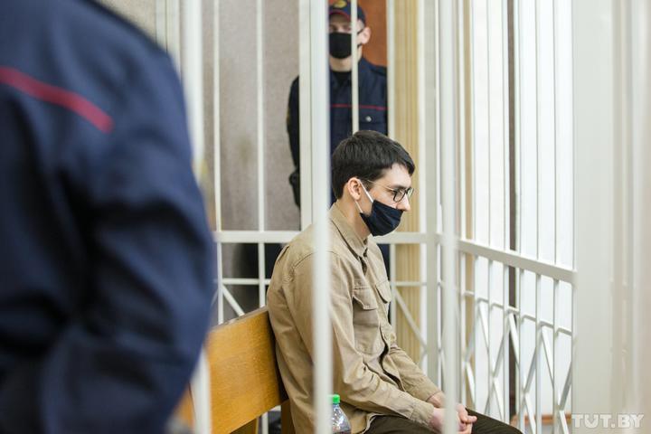 Начался суд по делу о наезде BMW на силовиков 11 августа. Водителю грозит до 25 лет тюрьмы