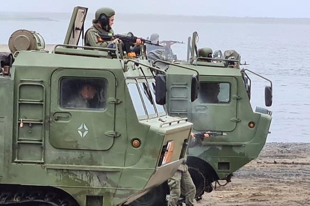 Морпехи Северного флота освободили «захваченный» террорис...