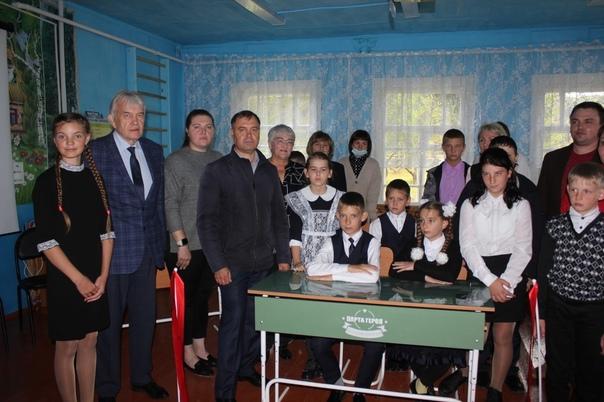 Торжественное открытие Парты героя в Минской школе