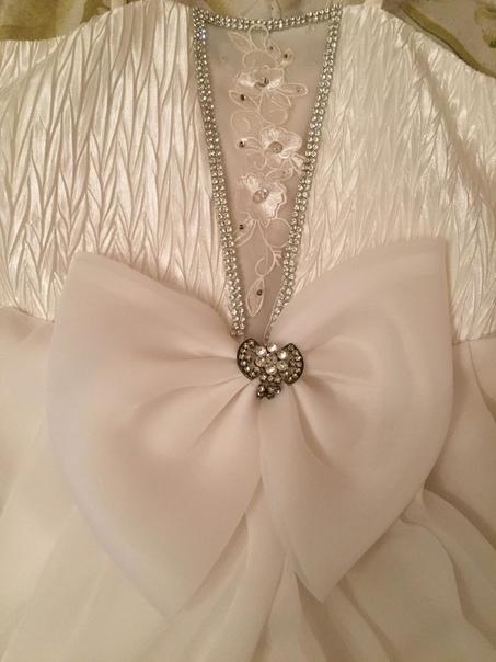 Продаётся детское праздничное платье белого цвета ...