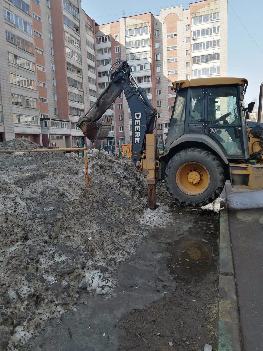Ворошение снега Улица Московская дом 101, 103