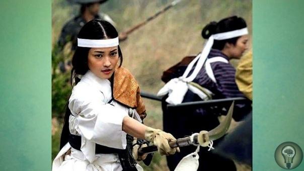 «ОННА-БУГЭЙСЯ»: ЧТО УМЕЛИ ЖЕНЩИНЫ-ВОИНЫ ИЗ КЛАНОВ САМУРАЕВ О подвигах и преданности японских самураев известно многим. Но мало кто слышал, что некоторые японские дамы также воспитывались по