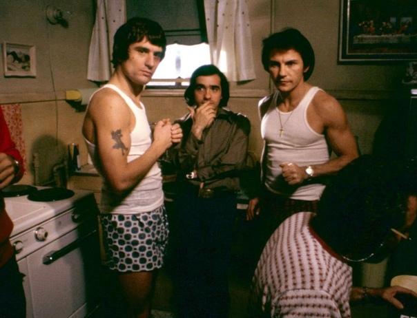 Роберт Де Ниро, Харви Кейтель и Мартин Скорсезе на съемках драмы «Злые улиц», 1973 год