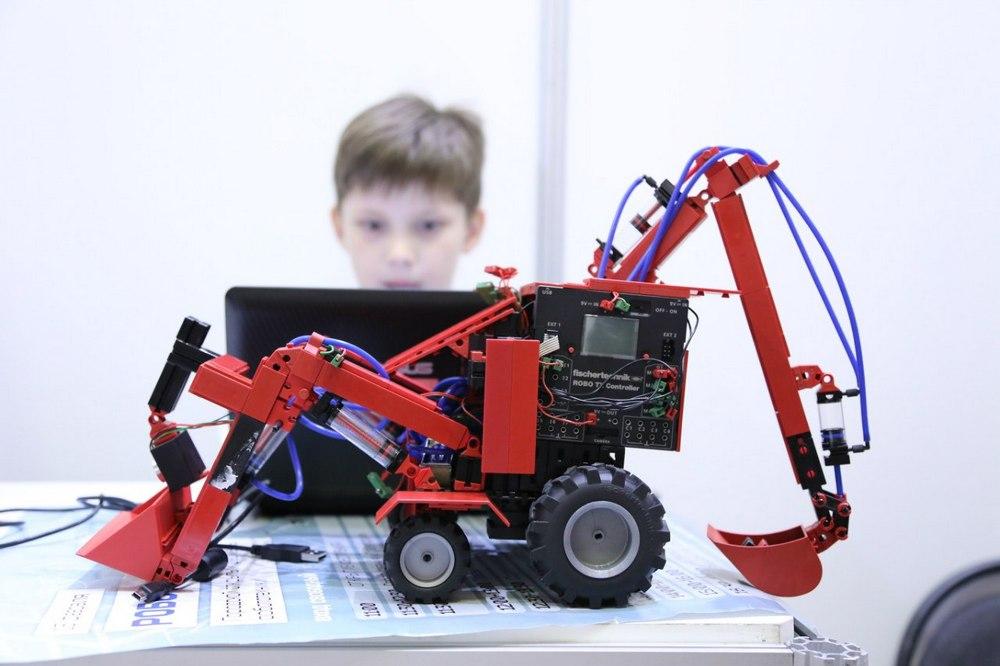 Набор робототехники Fischertechnik для детей 10-12 лет