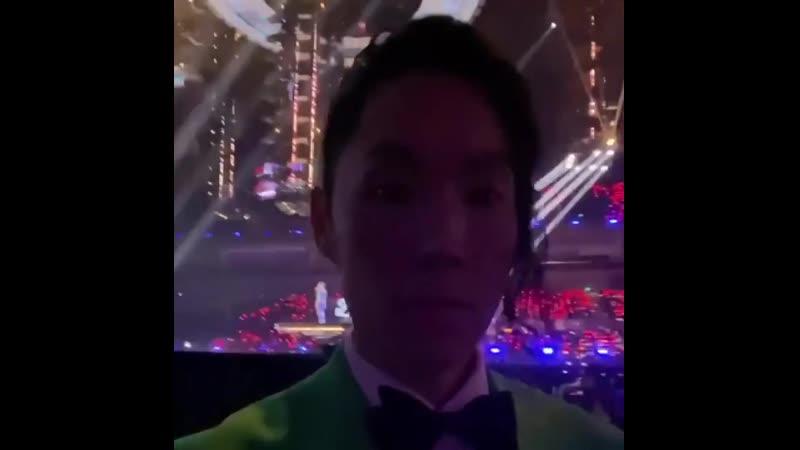 Ваннесс Ву записал видео перед выходом на сцену фестиваля Тысяча и одна ночь JIANG SU TV