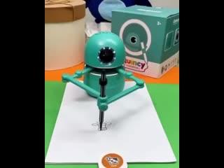 Подароk Pобот-художник!