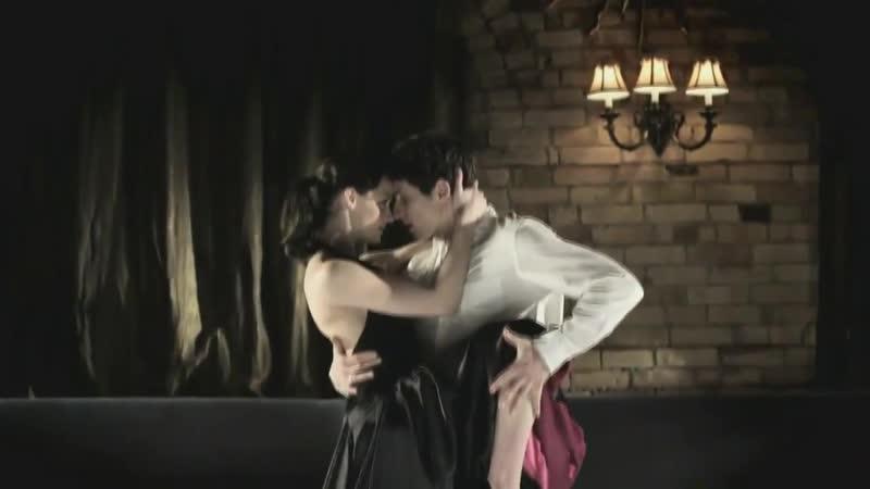 Tessa Virtue and Scott Moir Tango